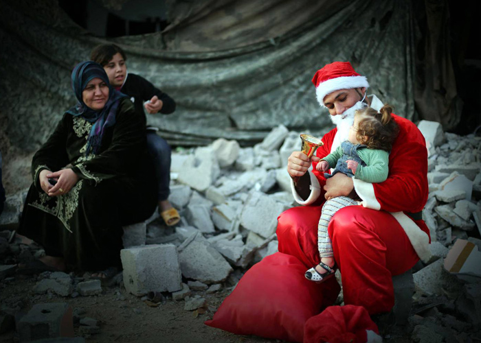 بابا نويل السوري، أعياد الحرب المستمرة