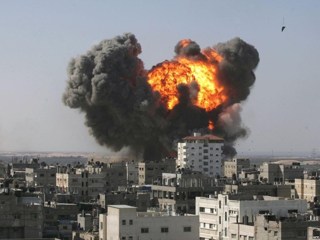 النظام يضرب مدينة دوما شرقي دمشق بالغازات السامة.. وتسجيل حالات اختناق