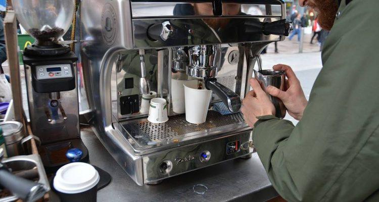هل تعرف أضرار ماكنات القهوة ؟!