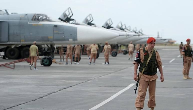 روسيا تقصف مناطقَ شمال اللاذقية وأنباءٌ عن هوية مستهدفي قاعدة حميميم الروسية
