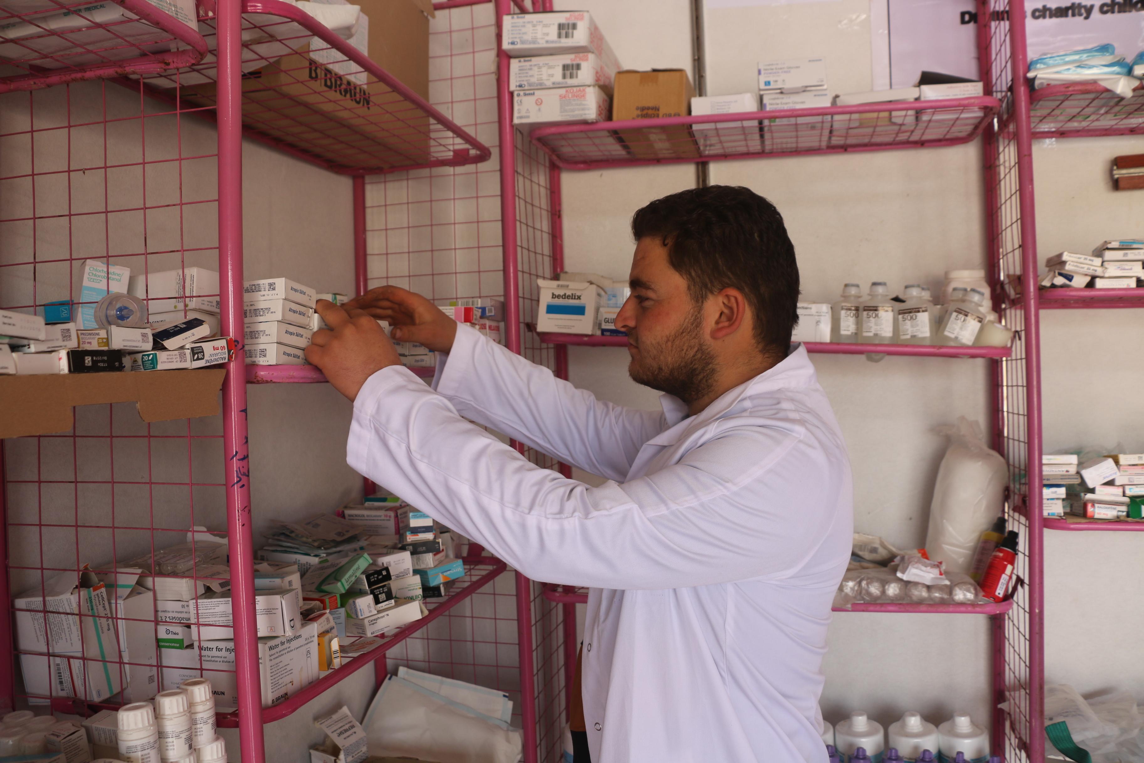على خطى مديرية صحة حمص..مديرية صحة حماة ترخص الصيدليات