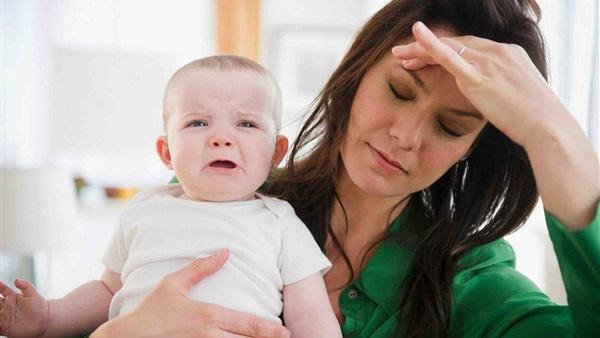 دراسة: اكتئاب ما بعد الولادة قد يؤثر على سلوك الأطفال